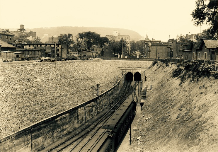Town of Mount Royal Tunnel